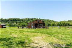 425 acres of pristine beauty luxury homes