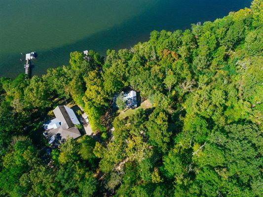 Beautiful Lakeside Property in counce luxury properties