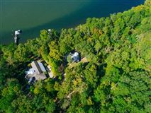 Luxury real estate Beautiful Lakeside Property in counce