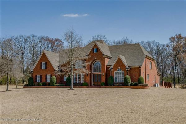 Luxury homes in Gorgeous Family Home in Spring Place Estates