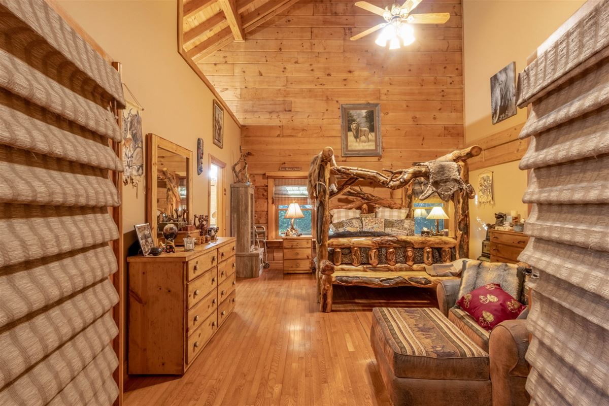 Beautiful custom home on 20-plus secluded acres luxury homes