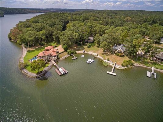 Old Pickwick waterfront cabin luxury real estate