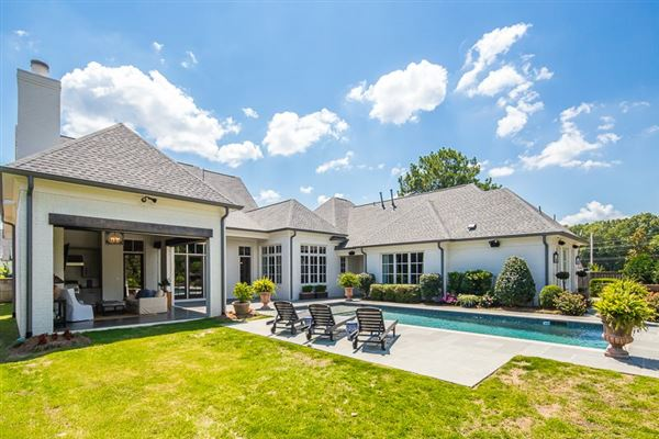 Luxury real estate award-winning design in germantown