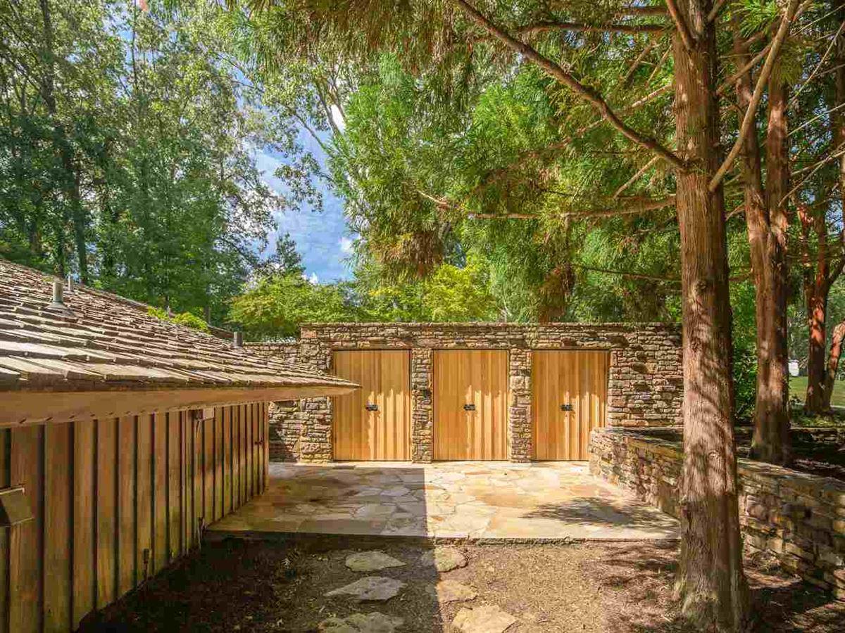 Luxury real estate Organic mid-century modern home in memphis