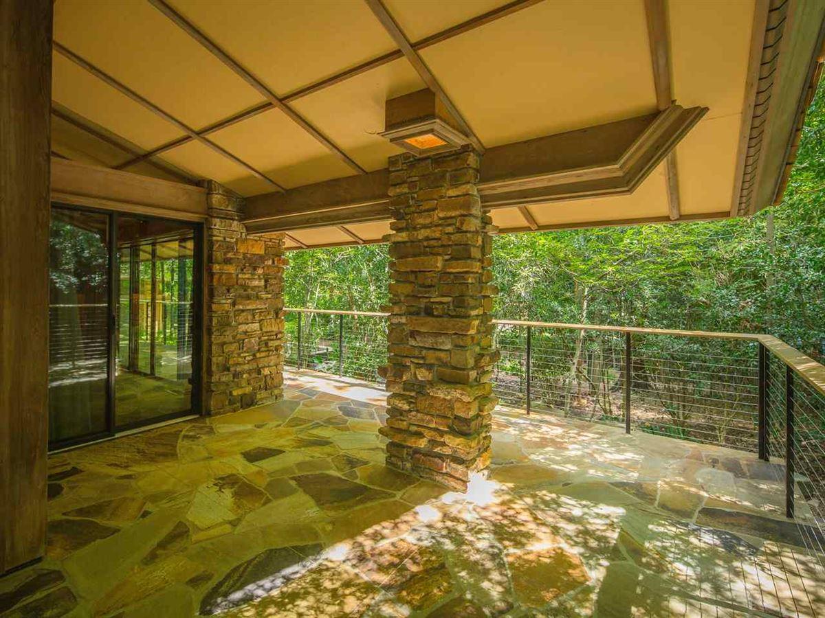 Organic mid-century modern home in memphis luxury real estate