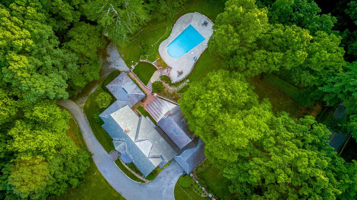 Luxury properties stately landmark home