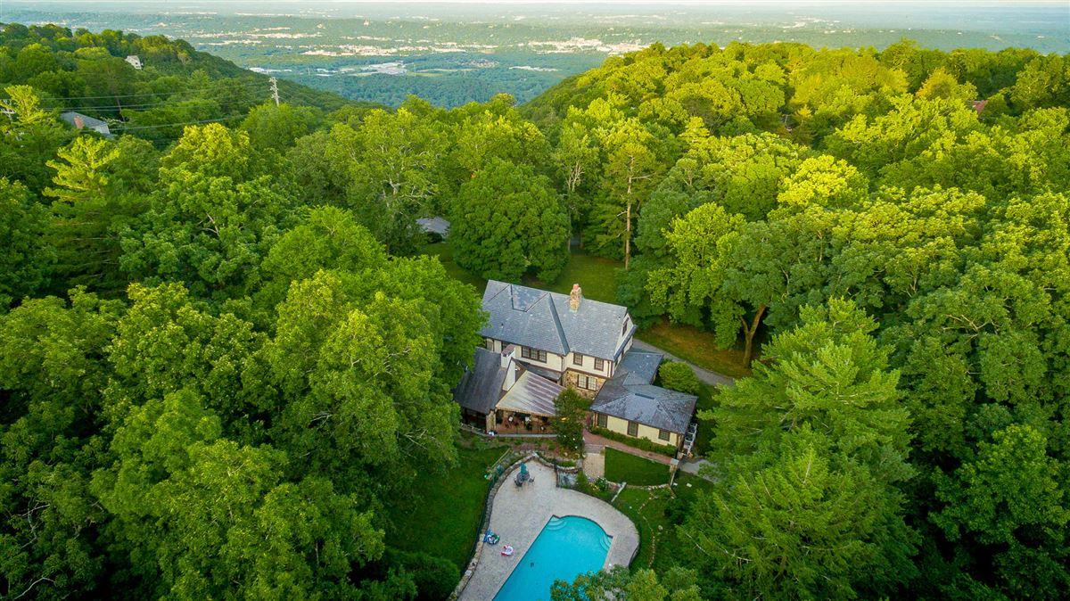 stately landmark home mansions