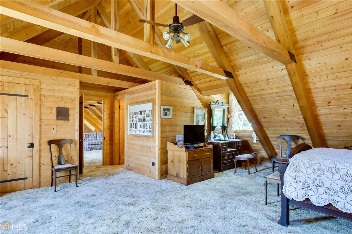 log cabin retreat on 85 acres luxury properties