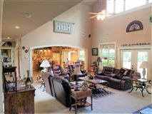 Immaculate Gentlemans Ranch mansions