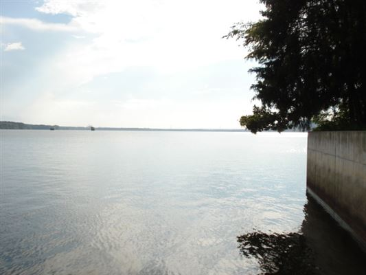 Luxury properties Flat waterfront lot in the preserve