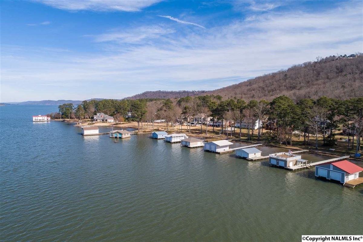 Custom built waterfront Home luxury properties