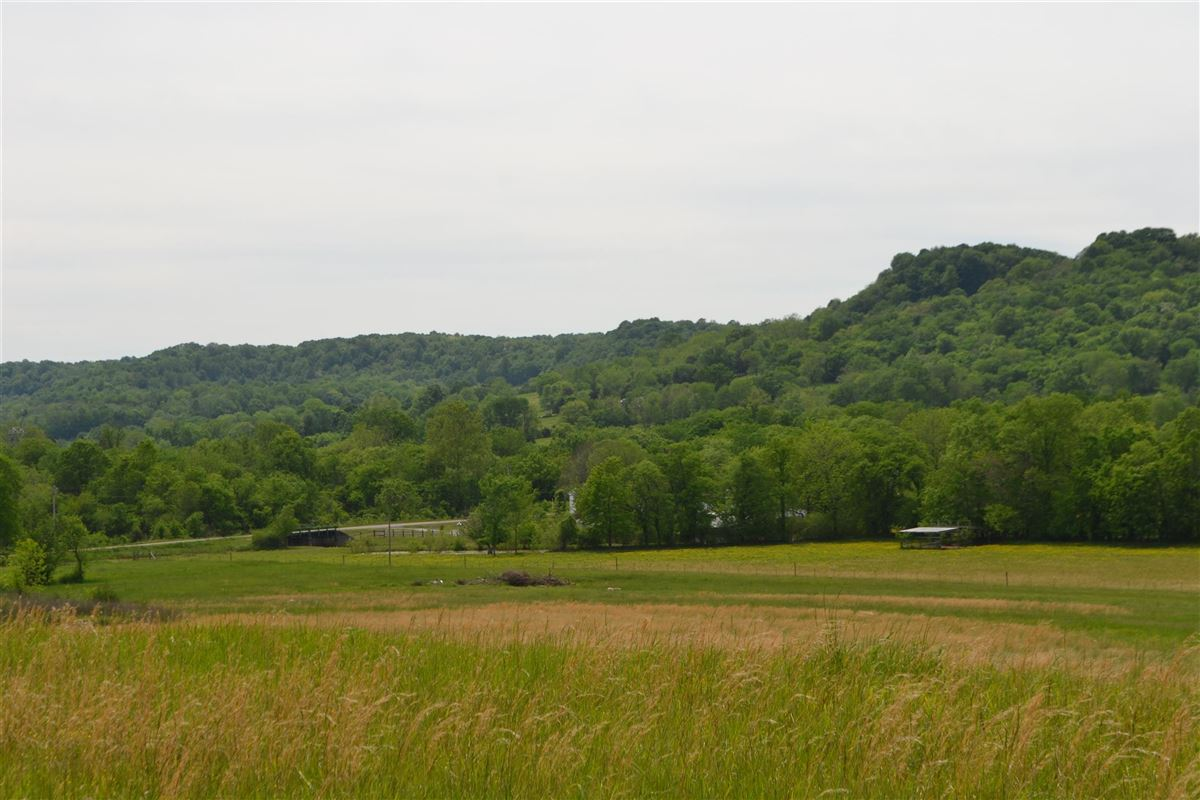 Gorgeous 108 acre property luxury homes