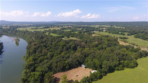 Mansions in Beautiful private 112 acre property