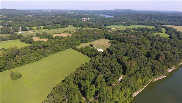Luxury homes Beautiful private 112 acre property