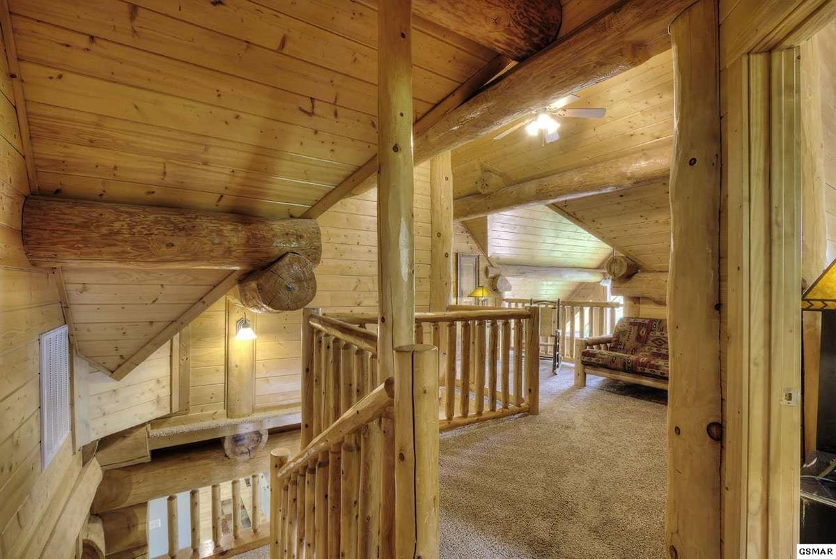 Luxury homes in Gorgeous mountain views in gatlinburg
