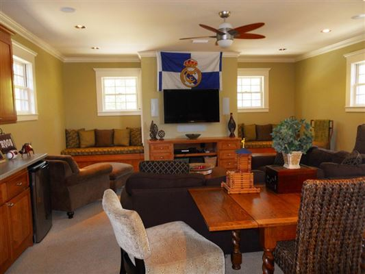 Mansions in custom home on three wonderful acres