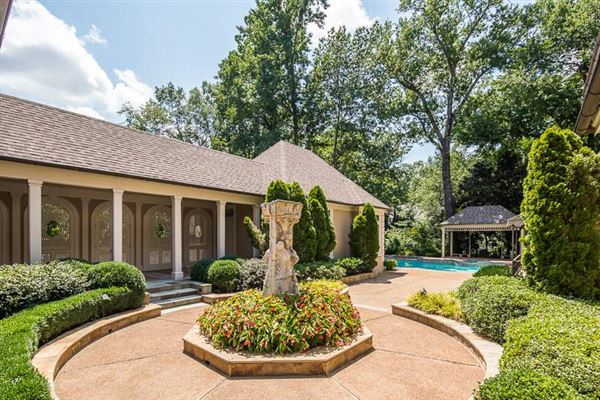 lovely memphis luxury home luxury real estate