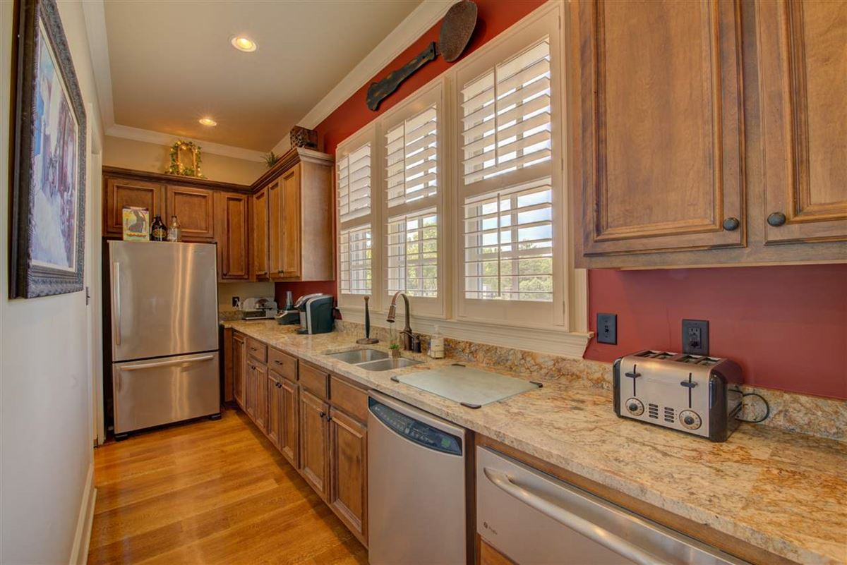 Luxury properties Perfection in Spring Creek Subdivision
