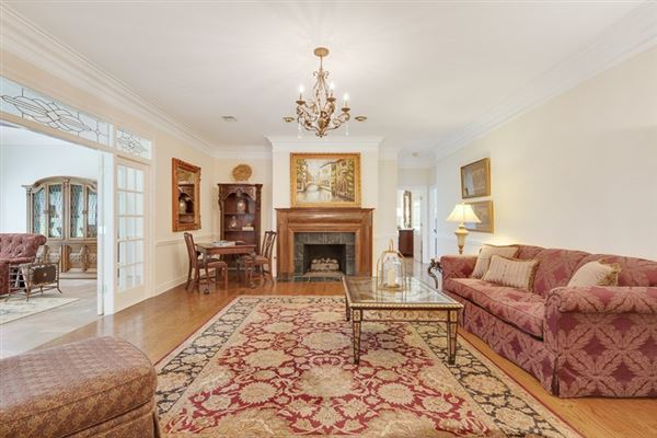 spacious six bedroom germantown luxury home luxury properties