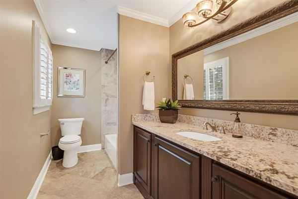 spacious six bedroom germantown luxury home luxury homes