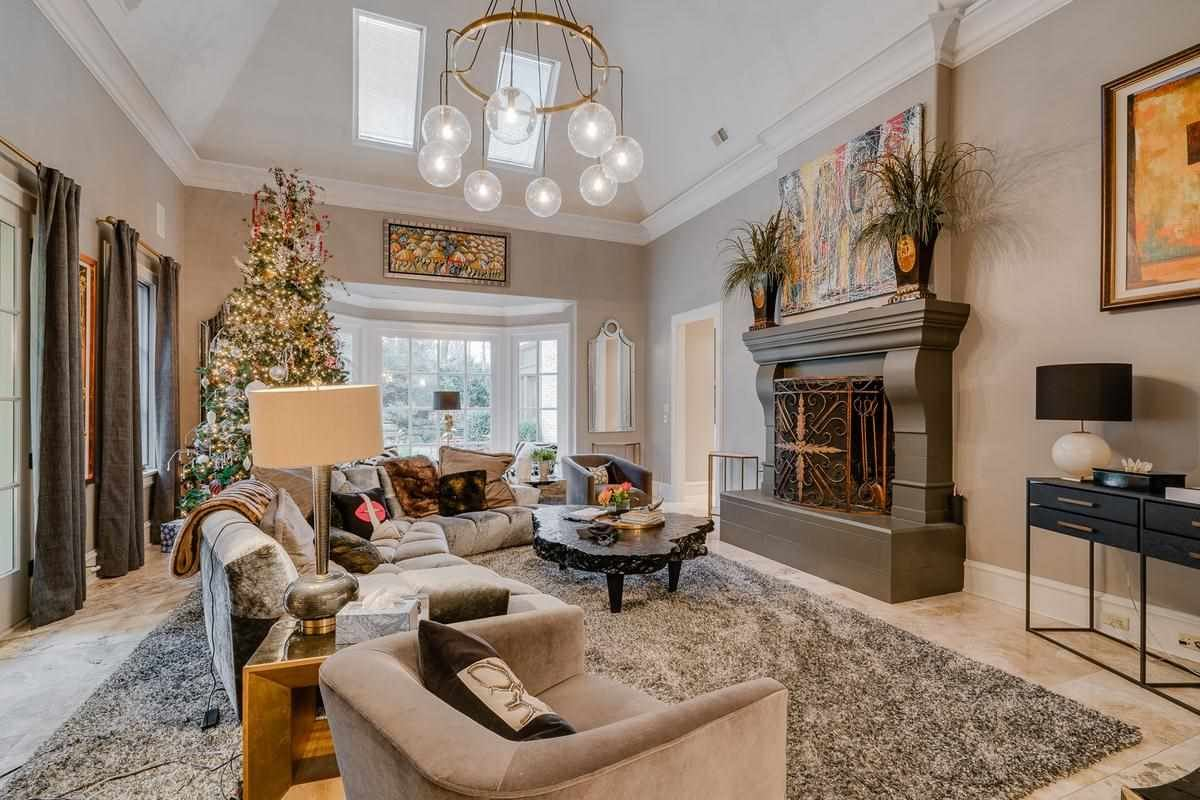 Luxury real estate one of the finest estate homes in memphis