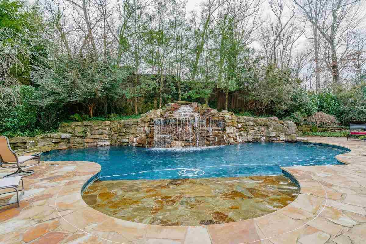 Luxury properties one of the finest estate homes in memphis