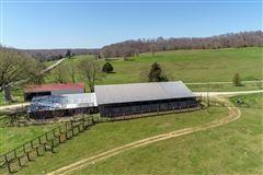 Mansions Unique 1000 acre property