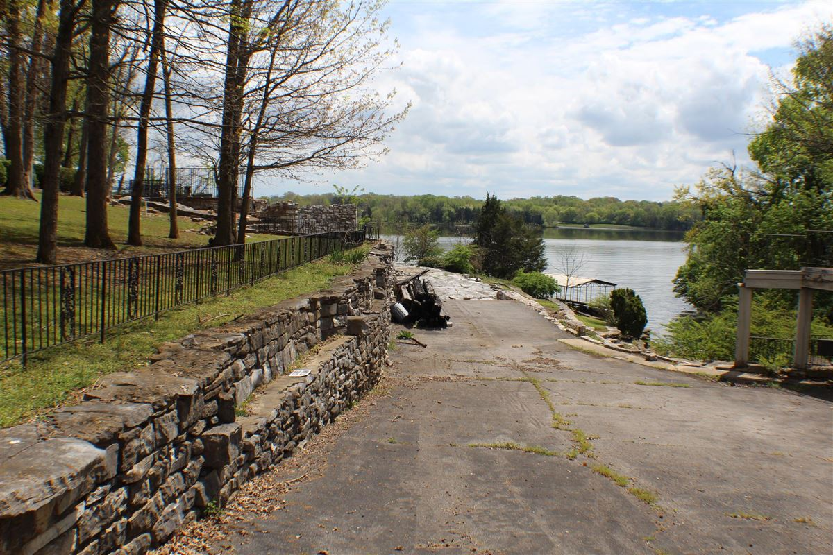 Old Hickory Lake property Formerly owned by Johnny and June Carter Cash luxury properties