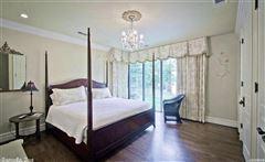 Luxurious Lake Estate in hot springs luxury properties