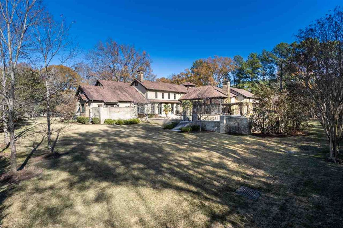 Luxury real estate Traditional Quiet Estate