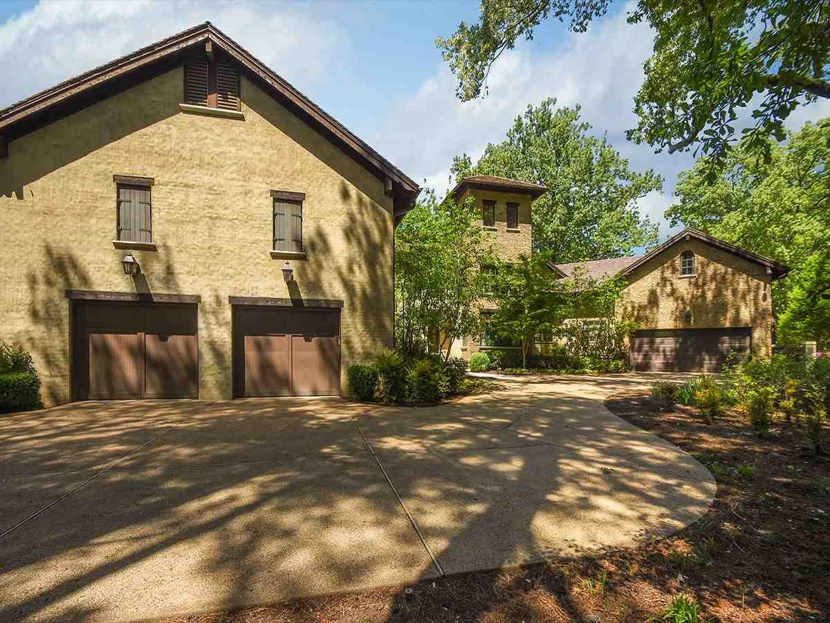 Mansions Traditional Quiet Estate