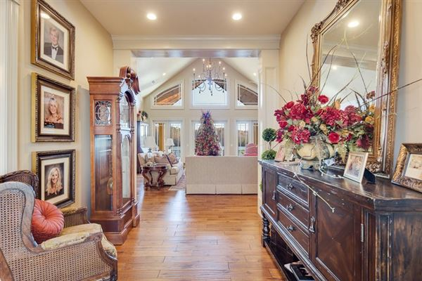 Grand Water Front Estate luxury homes