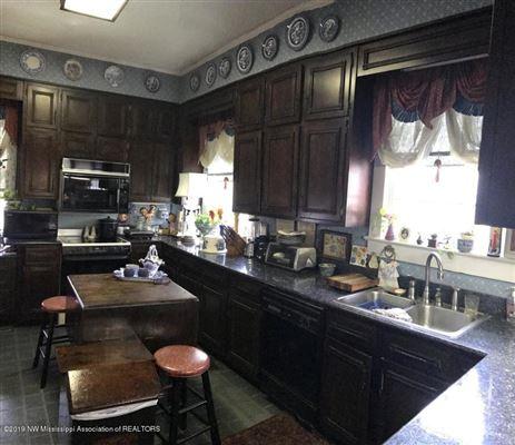 Rosewood Manor and Gardens luxury properties