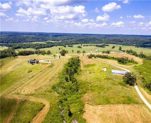 beautiful home on over 380 acres mansions