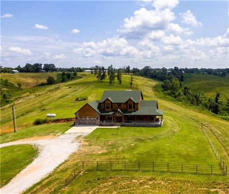 Mansions in beautiful home on over 380 acres