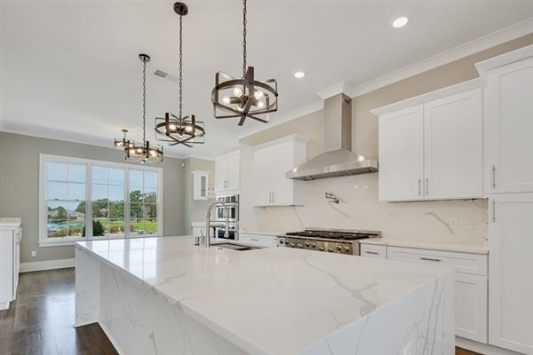 Impressive new home in prestigious gated neighborhood - The Preserve luxury real estate