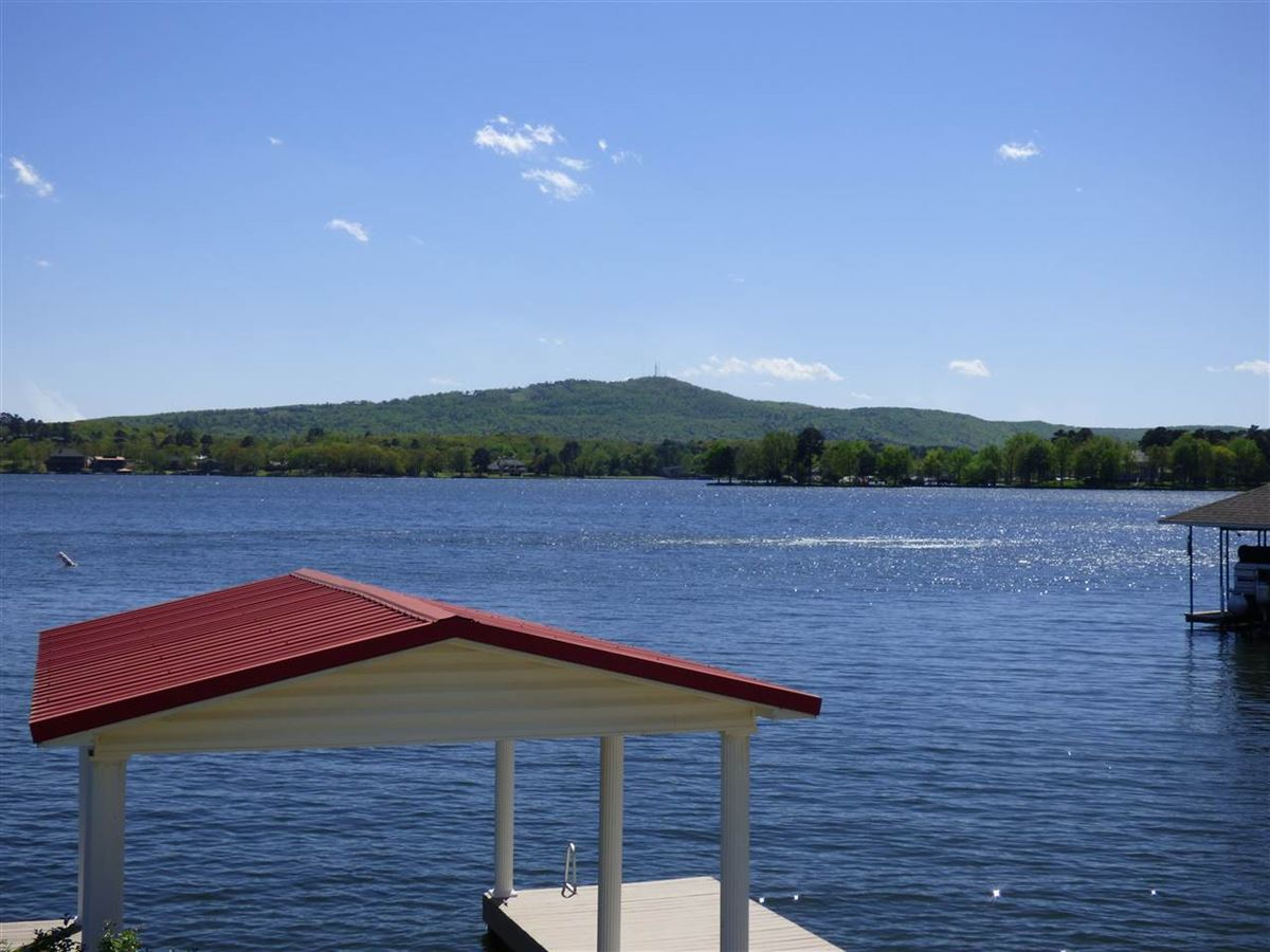 Luxury homes exquisite custom waterfront home in hot springs