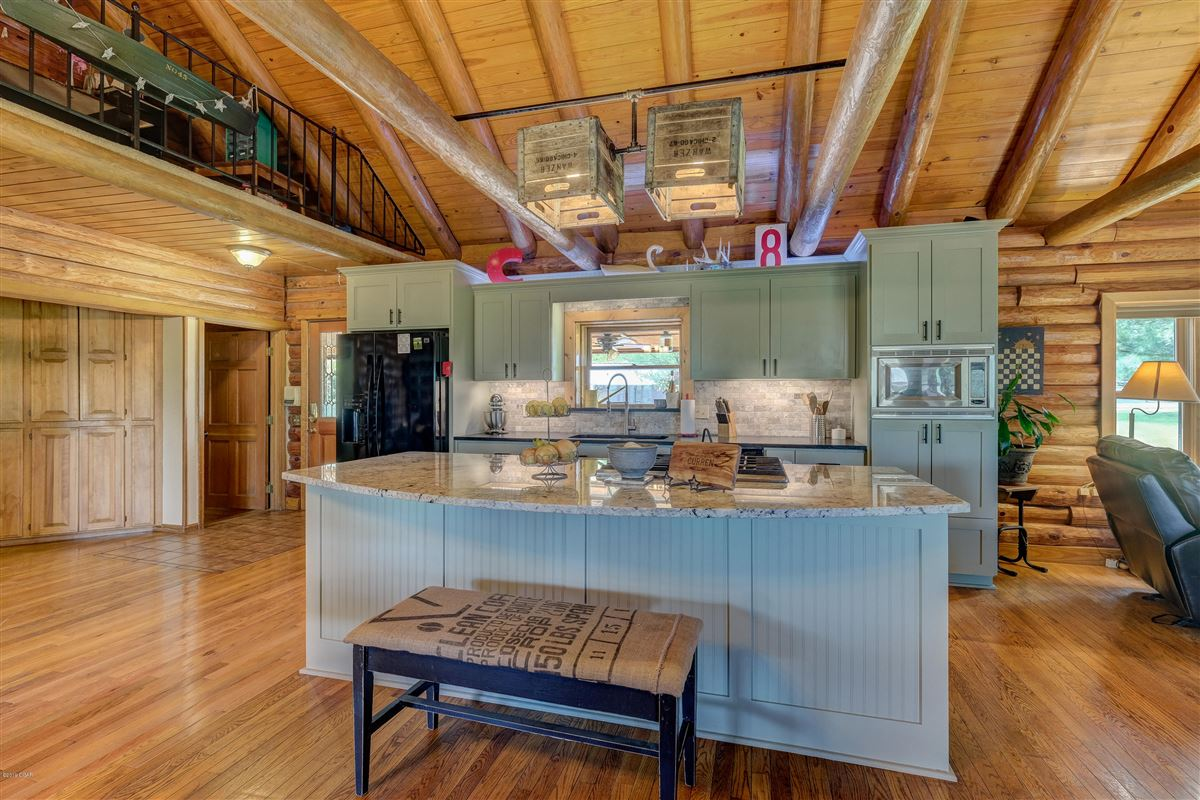 Luxury real estate Eagle Ridge Ranch