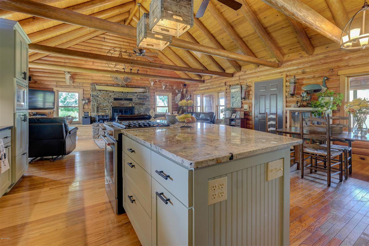 Luxury properties Eagle Ridge Ranch