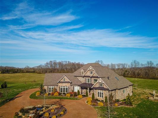 Luxury homes Superb quality country home