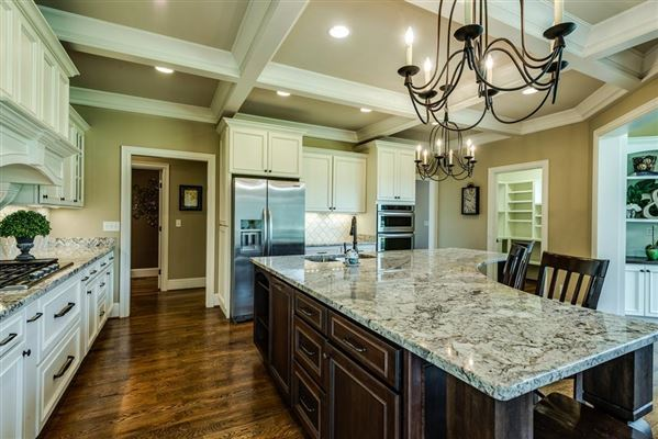 Luxury homes Country home in Cookeville city limits