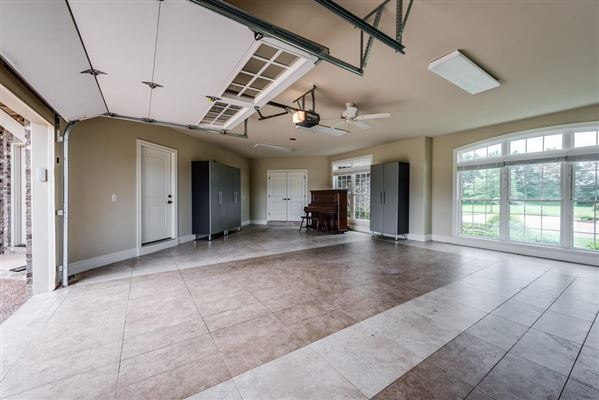 Country home in Cookeville city limits luxury properties