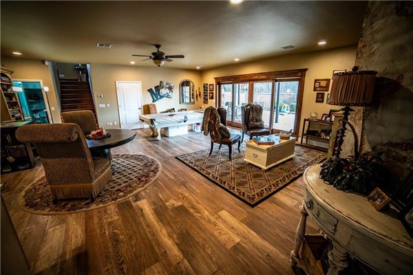 Luxury homes an Impressive 117 acre ranch