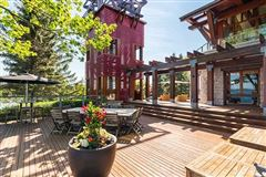 spectacular home on Kempenfelt Bay luxury real estate