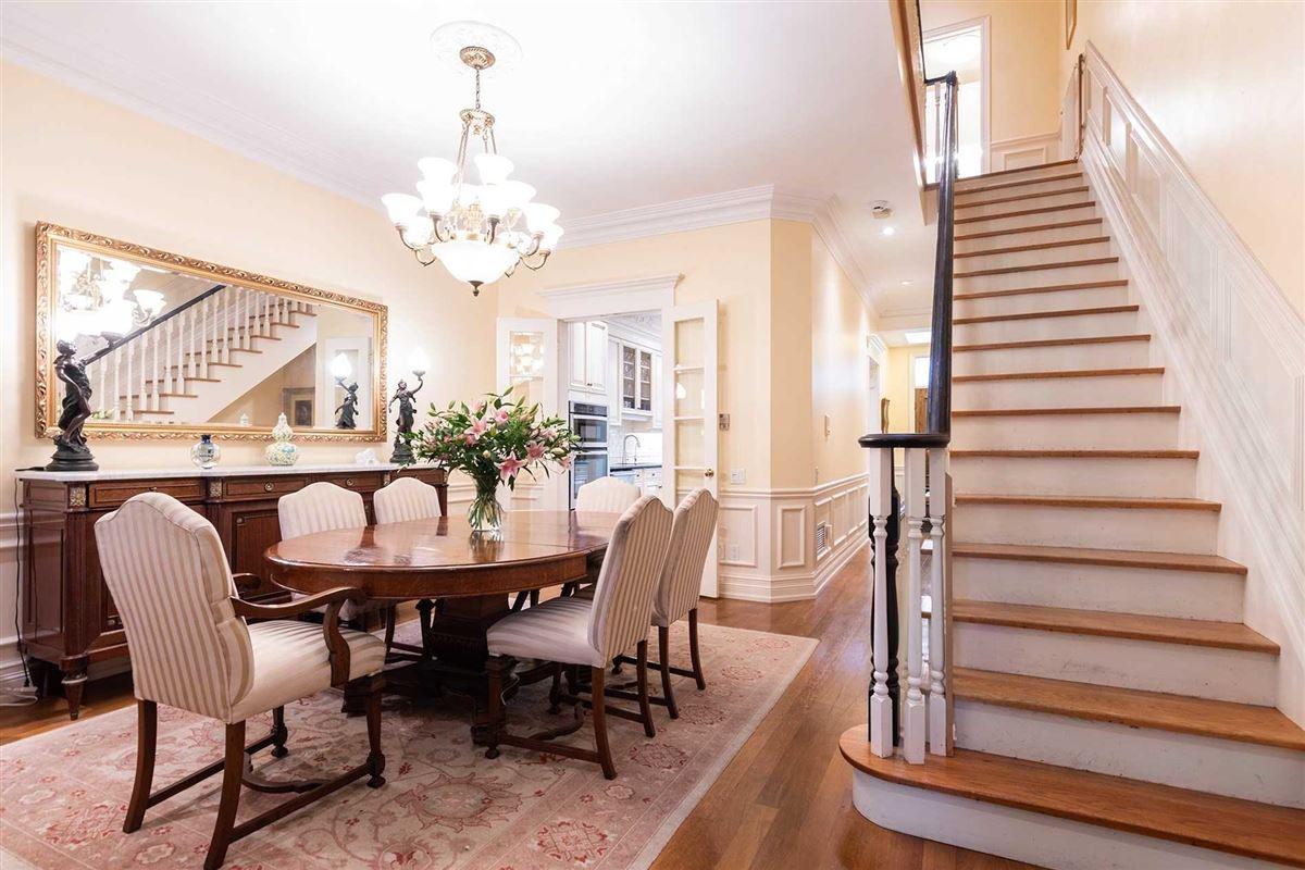 New York Style Georgian Brownstone luxury homes