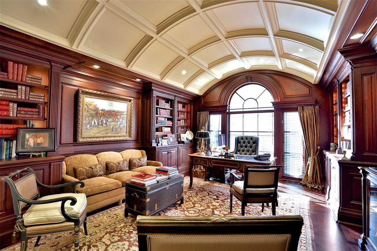Luxury homes Awe-inspiring estate on desired road