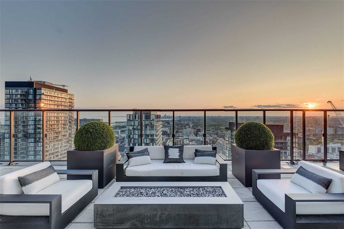 Full floor penthouse at the bond luxury homes