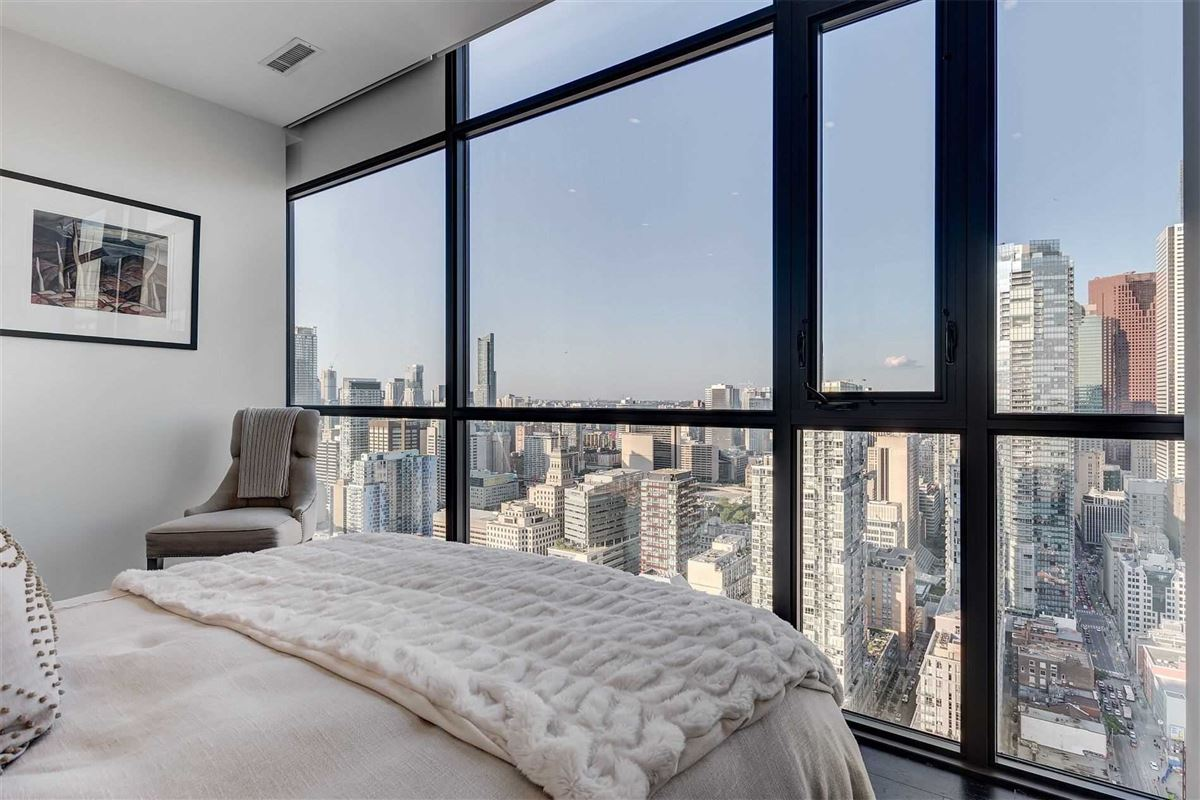Full floor penthouse at the bond mansions