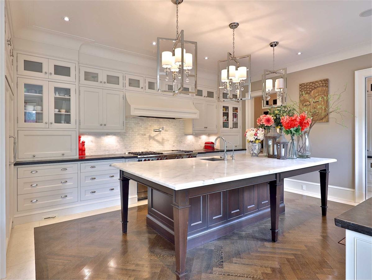 Luxury homes in Exquisite Estate, Magnificently Appointed