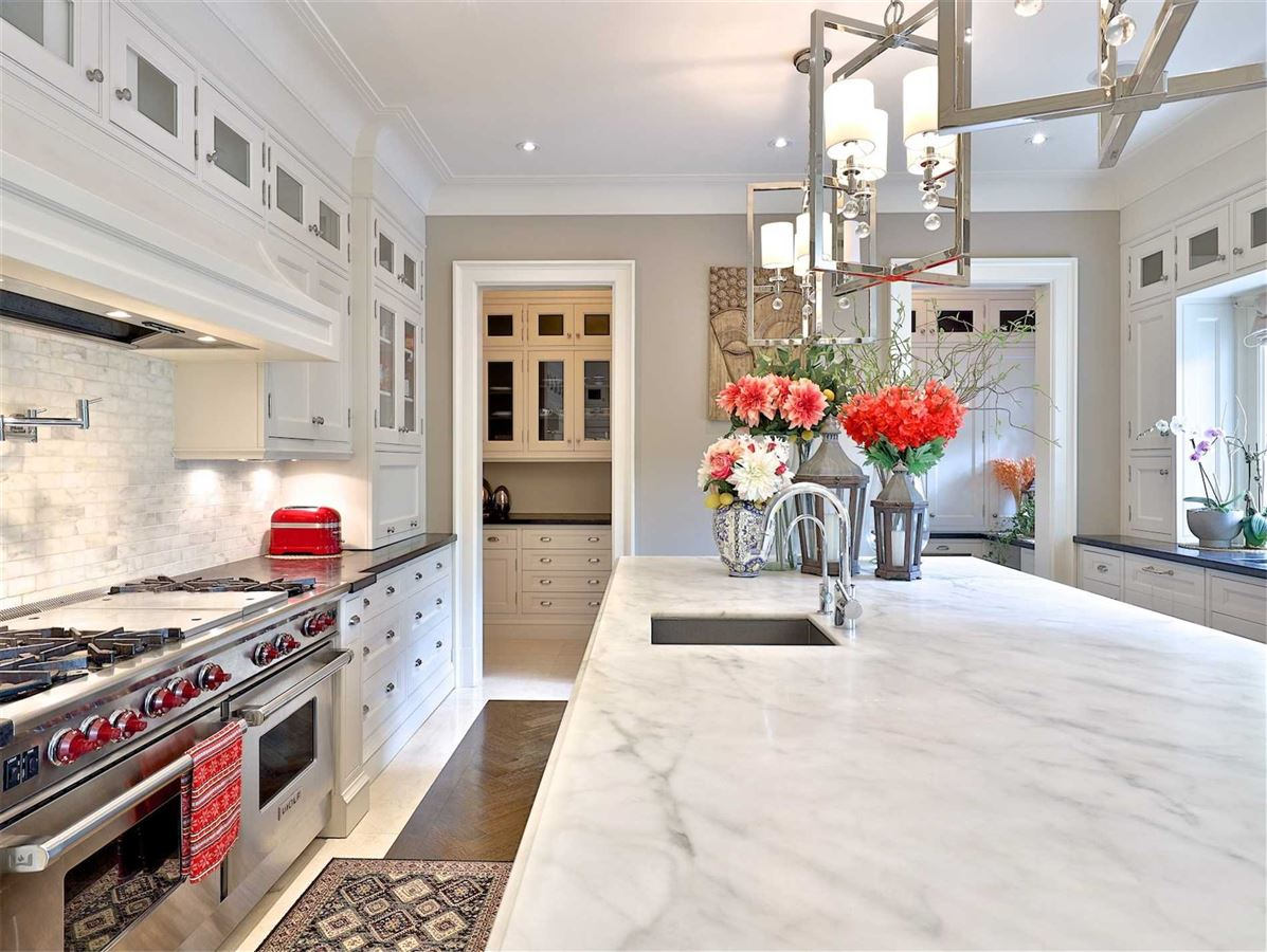 Mansions in Exquisite Estate, Magnificently Appointed